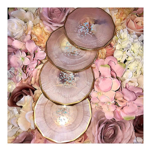 Resin art learners artists pink gold paint painting rhombus silicone mould white glitters flakes