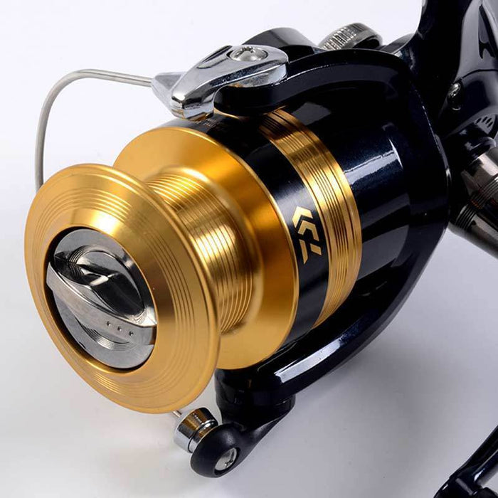 Daiwa Sweepfire Fishing Reel 1500-4000 Size With Metail Line Cup Spinning Reel-Spinning Reels-There is always a suitable for you-1500 Series-Bargain Bait Box