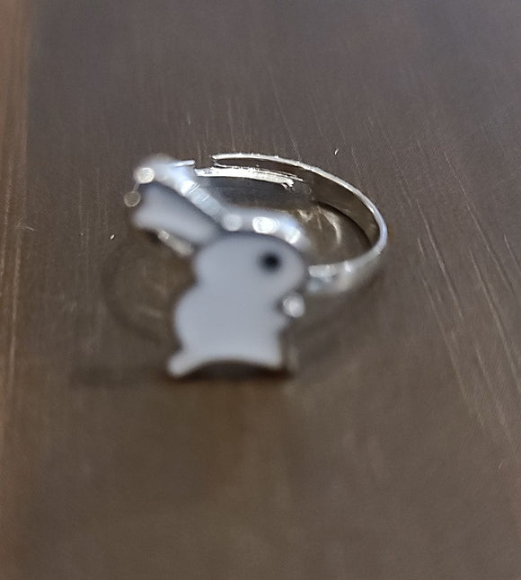 SS Ring Easter Rabbit White