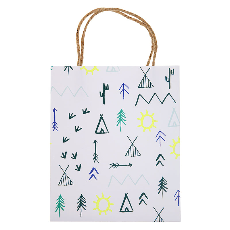 Send your young adventurer partygoers home with one of these delightful party bags decorated with forest campground patterns and finished with natural hemp cord handles. Bag size: 6 x 5 x 3 inches.