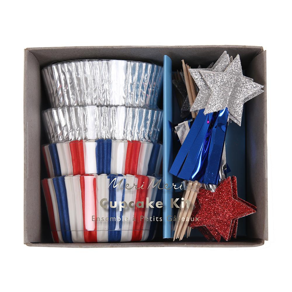 Celebrate the 4th of July with this special cupcake kit with traditional stars and stripe designs embellished with silver foil and shiny tassels.  Pack of 24 case in 2 designs 24 toppers in 2 designs Glitter & mylar details