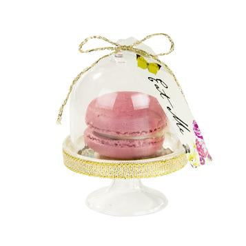 A truly terrific table treat. Our Curious Cake Domes put the finishing touches to your afternoon tea party. These mini cloche cake stands come in packs of 6 and feature miniature doilies and 'Eat me' tags.   Perfect for mini meringues and tiny sweet treats, our removable cake domes are perfect for those who love to be creative. Why not use them as place cards or even party favours at weddings?  Accompany our cake domes with our Truly Alice Whimsical Cup & Saucers for a bonkers mad hatters tea party.