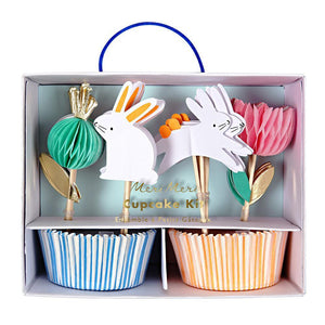 We've made it quicker and easier for you to make gorgeous cupcake creations. Our beautiful bunny-themed kit, with cheery cases and charming toppers with honeycomb and gold foil details, is ideal for Springtime and Easter.  Pack of 24 cases in 2 designs 24 toppers in 4 styles Neon print, honeycomb & gold foil detail