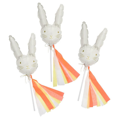 These shiny foil mini bunny balloons are sure to be a hit at any Easter or Springtime party. They look extra spectacular with colorful crêpe streamers and gold thread.  Printed foil self seal balloons with attachable straws and instruction sheet Crêpe streamers in 3 colors with 10m of gold thread  Neon & gold foil detail Product dimensions: 6