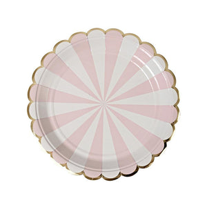 "Whether you're planning a baby shower, a bridal shower or a birthday party in the sunshine, you can't go wrong with our Dusty Pink Fan collection - high quality tableware featuring delicate pink pastel stripes and beautiful gold foil. Plan your whole decor around this elegant shade, or mix and match with other colours, patterns and themes.   Small Pack of 8  Gold foil detail  Size: 7"" x 7"""
