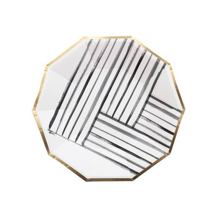 Modern brushstrokes encompassed by a trendy gold trim create the perfect contemporary look for a chic penthouse party or modern art gallery launch. Serve up appetizers or dessert in the perfect handheld size plate for all your special gatherings. Colors: Black, White, Gold Foil Paper Plates Approx. 7.5
