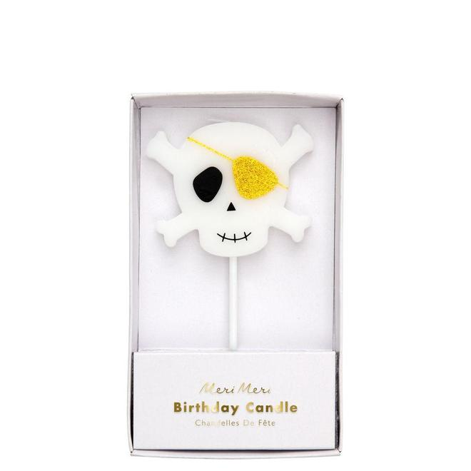 Little pirates will just love to blow out this fabulous skull & crossbones candle on their special cake.