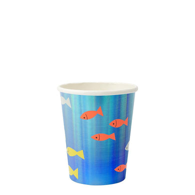 These funky fish cups, with shiny blue holographic detail, are a brilliant way to serve tasty drinks to your guests.  Suitable for hot & cold drinks Blue holographic foil detail Pack of 8 Cup capacity: 9 fl. oz.