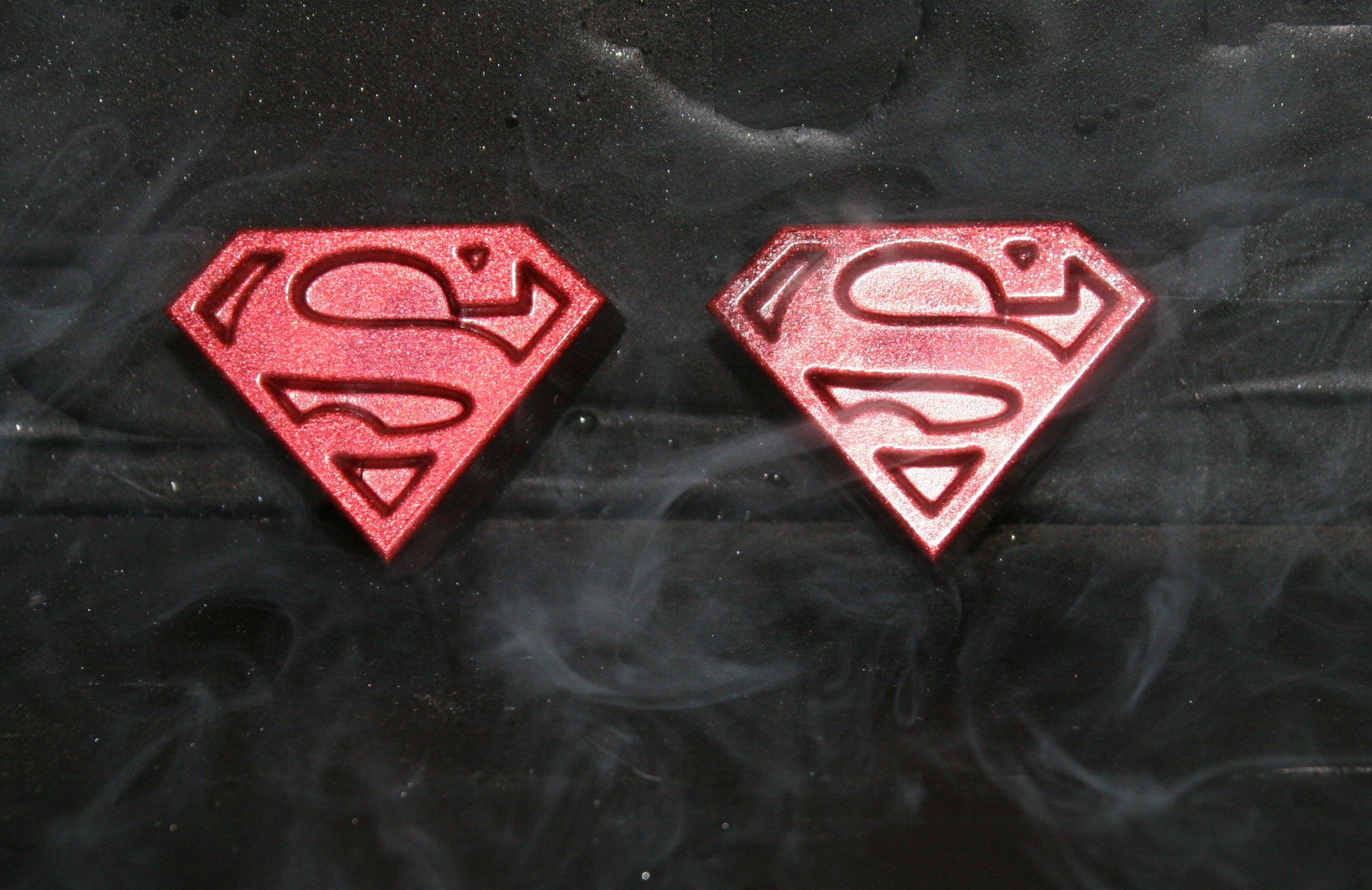 Hand Made Superman Symbol Glow In The Dark Resin Toy Figures