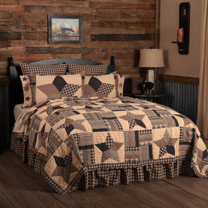 VHC Brands Classic Country | Bedding & Pillows | Bingham Star King Quilt 110Wx97L