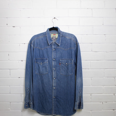 Levis denim shirt L