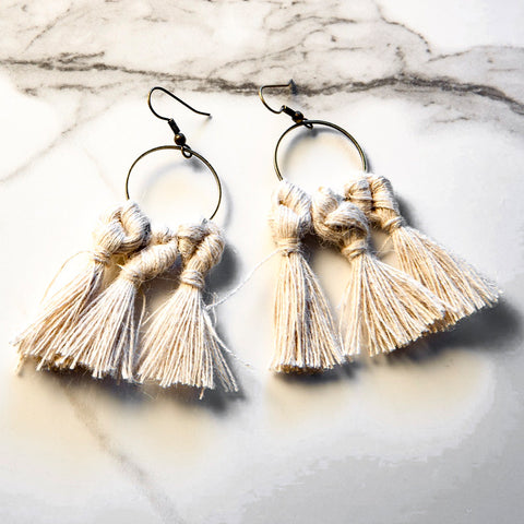 vK. Tassel Earrings - NATURAL