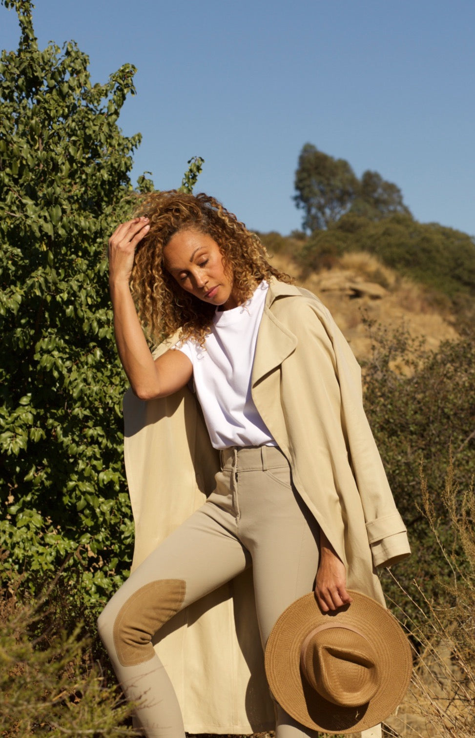 THE LIGHTWEIGHT TRENCH by T.B.E. Collection