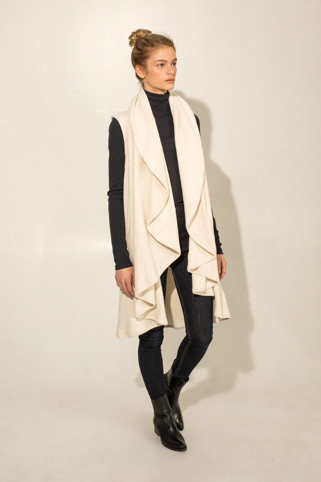 THE OATMEAL DRAPE VEST