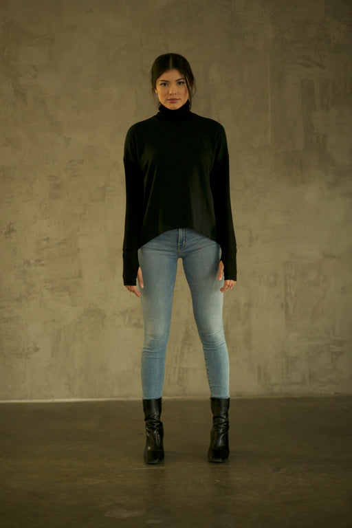 THE BLACK BAMBOO TURTLENECK