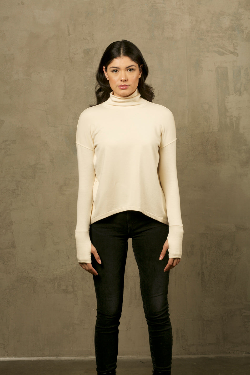 THE IVORY BAMBOO TURTLENECK