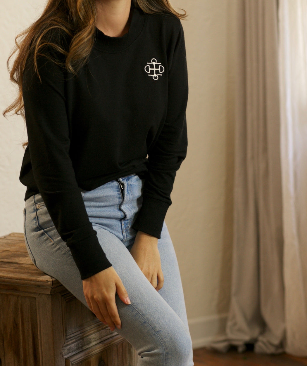 THE BLACK BAMBOO CREWNECK