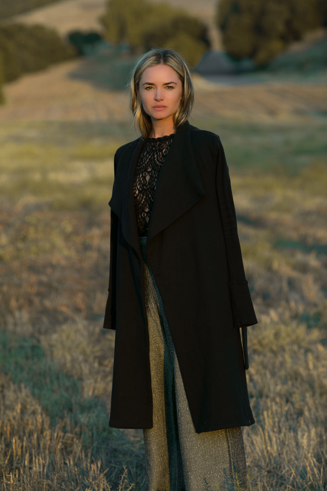 THE BLACK WRAP COAT