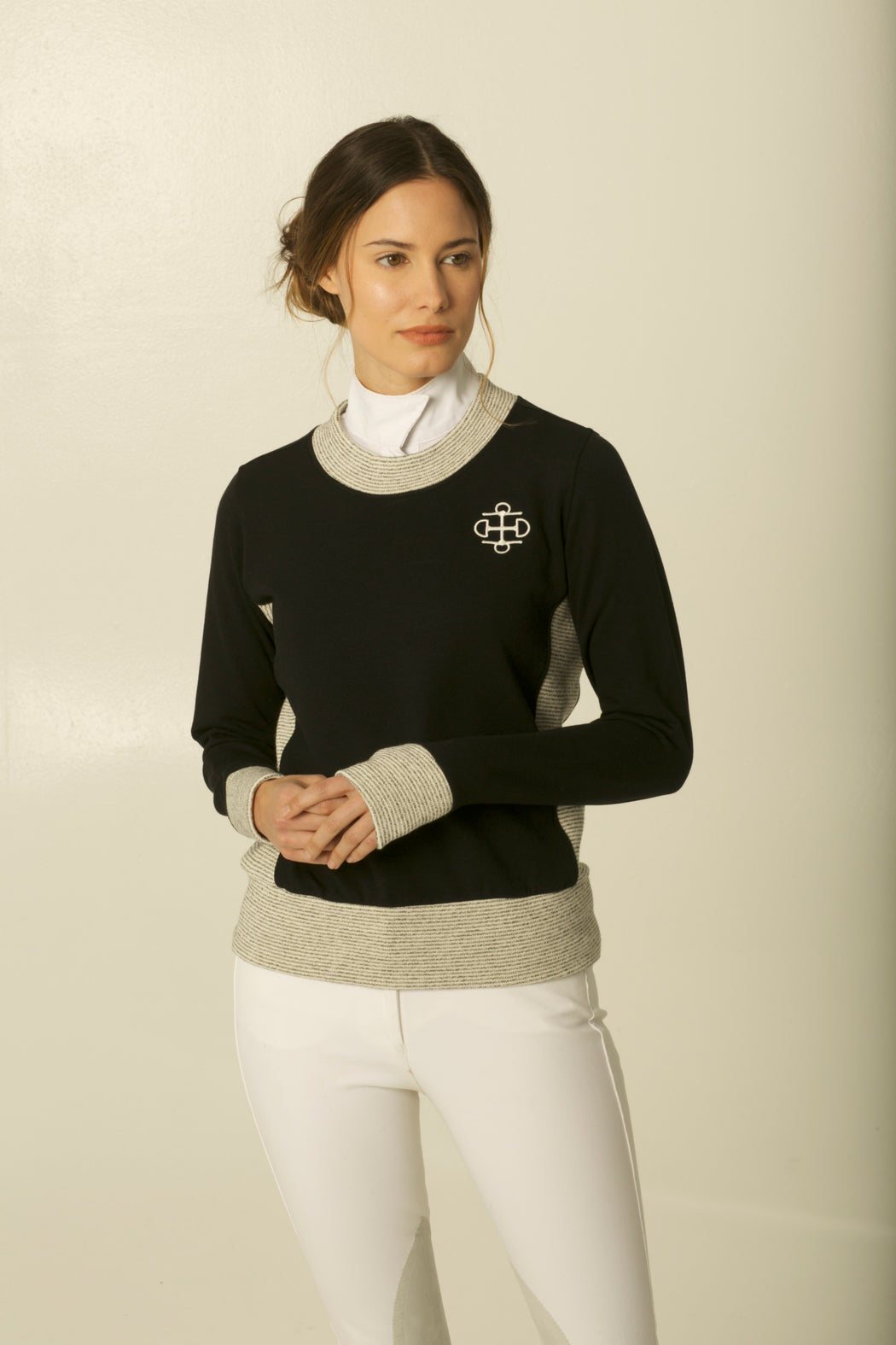 THE BLACK & IVORY BAMBOO CREWNECK SWEATER