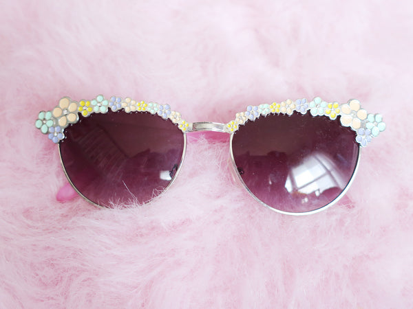 Pastel floral trimmed sunglasses with rose tinted lenses