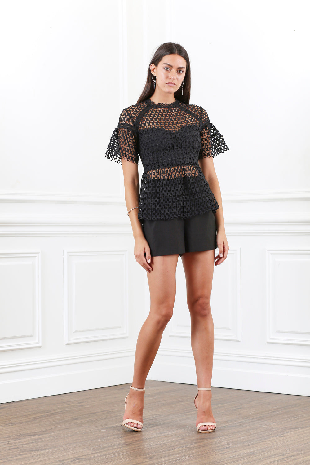 ORNATE CIRCLE LACE TOP
