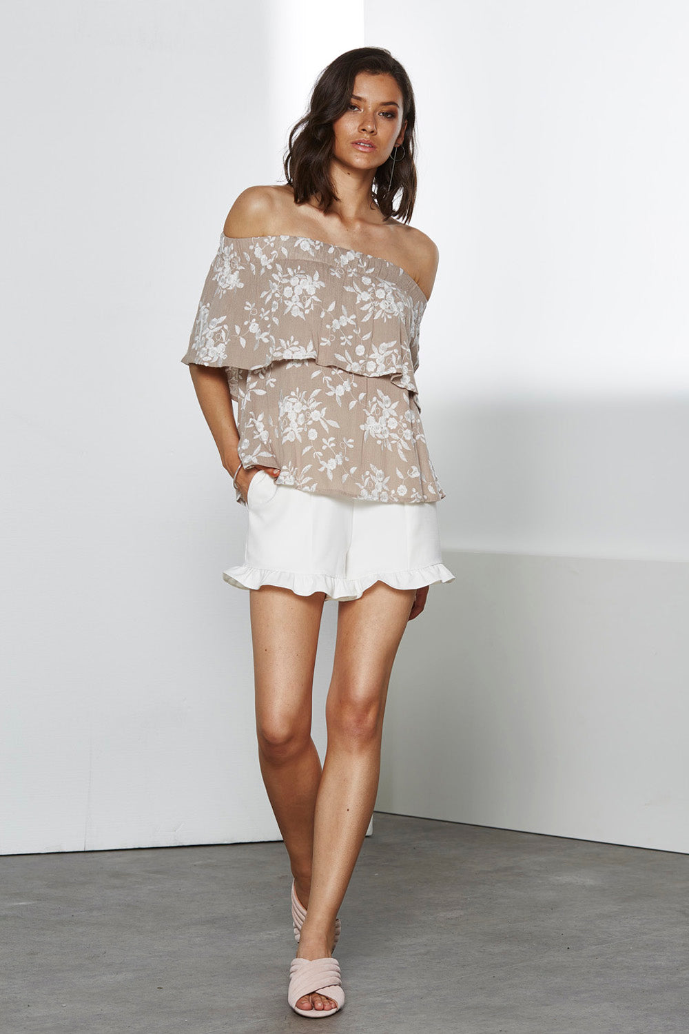 FRONTIER EMBO OFF SHOULDER TOP