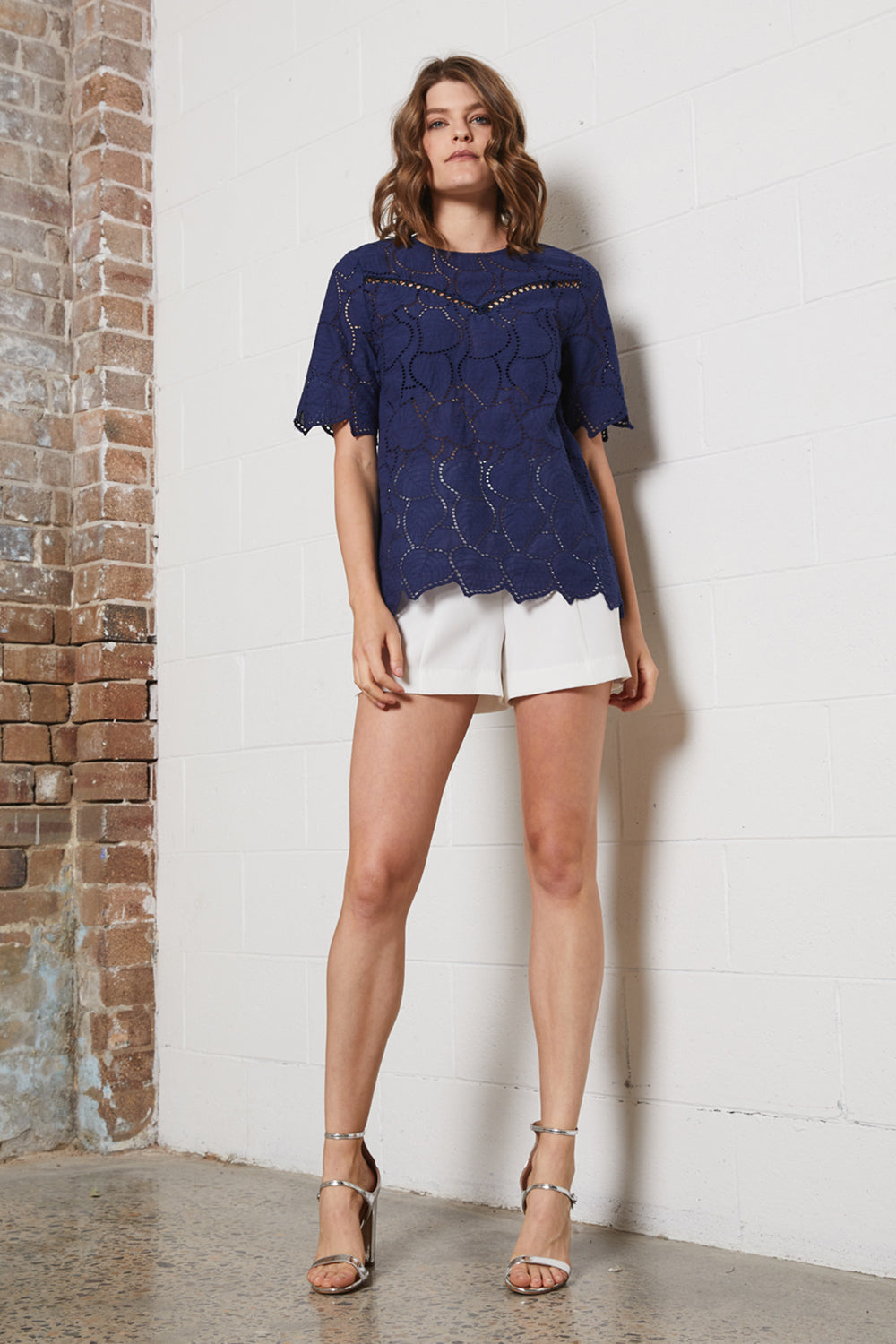 DREAMER EMBROIDERED TOP
