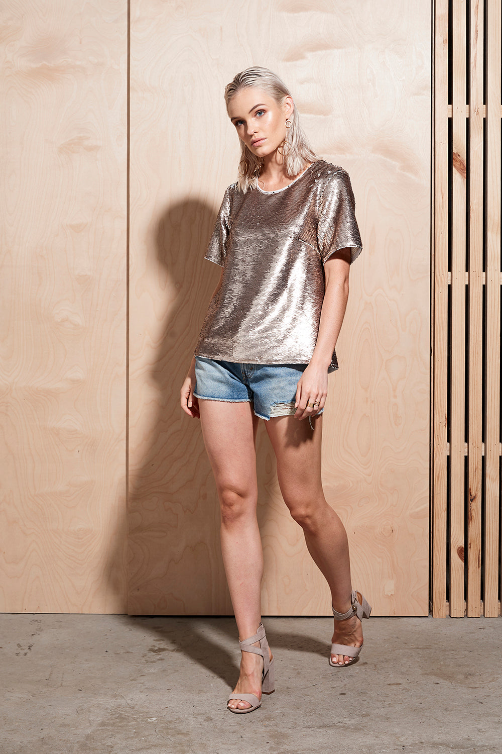 ILLUME SEQUIN TEE