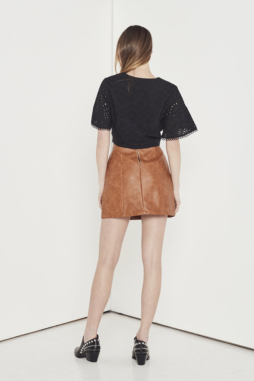 EMPIRE EYELET TOP
