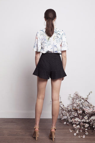 SOCIAL EMBROID SHORTS