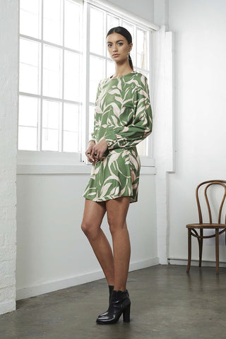 STATUS PRINT L/SLV SHIFT DRESS