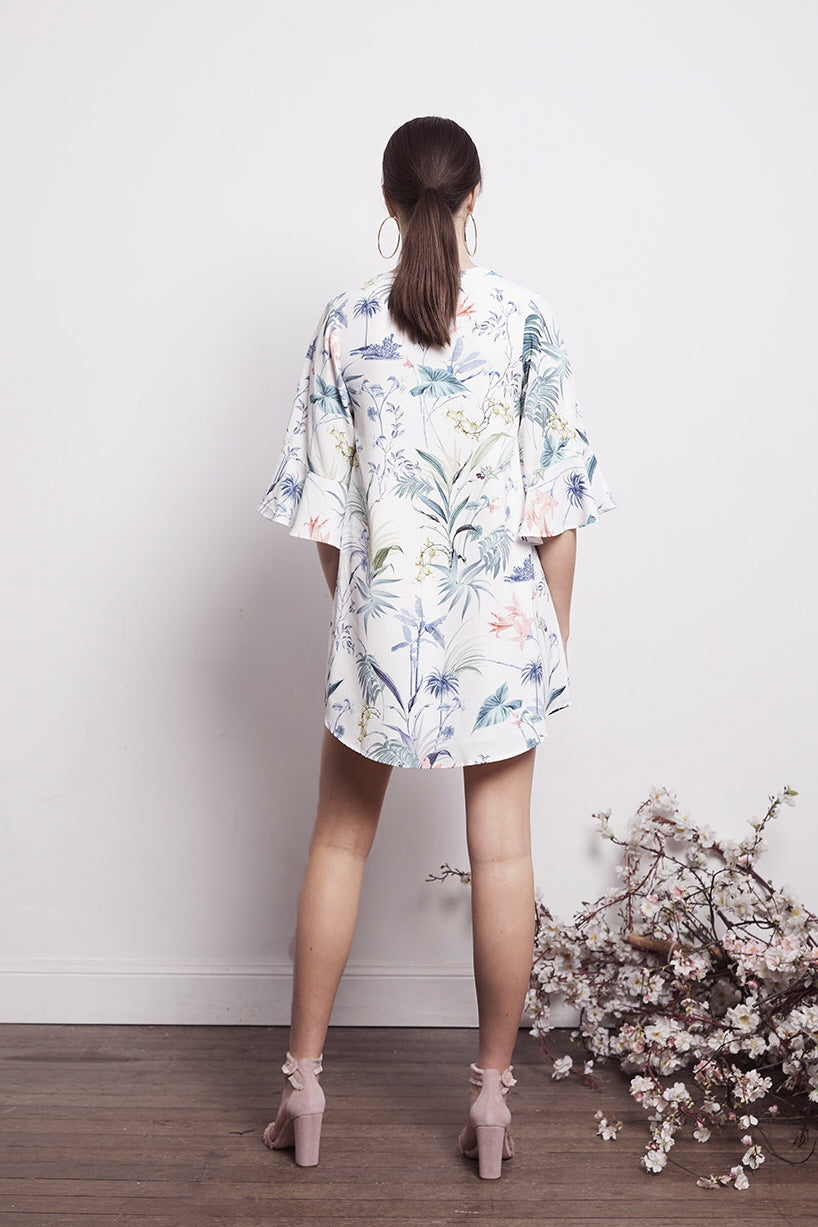 SOCIAL WHT FLORAL SHIFT DRESS