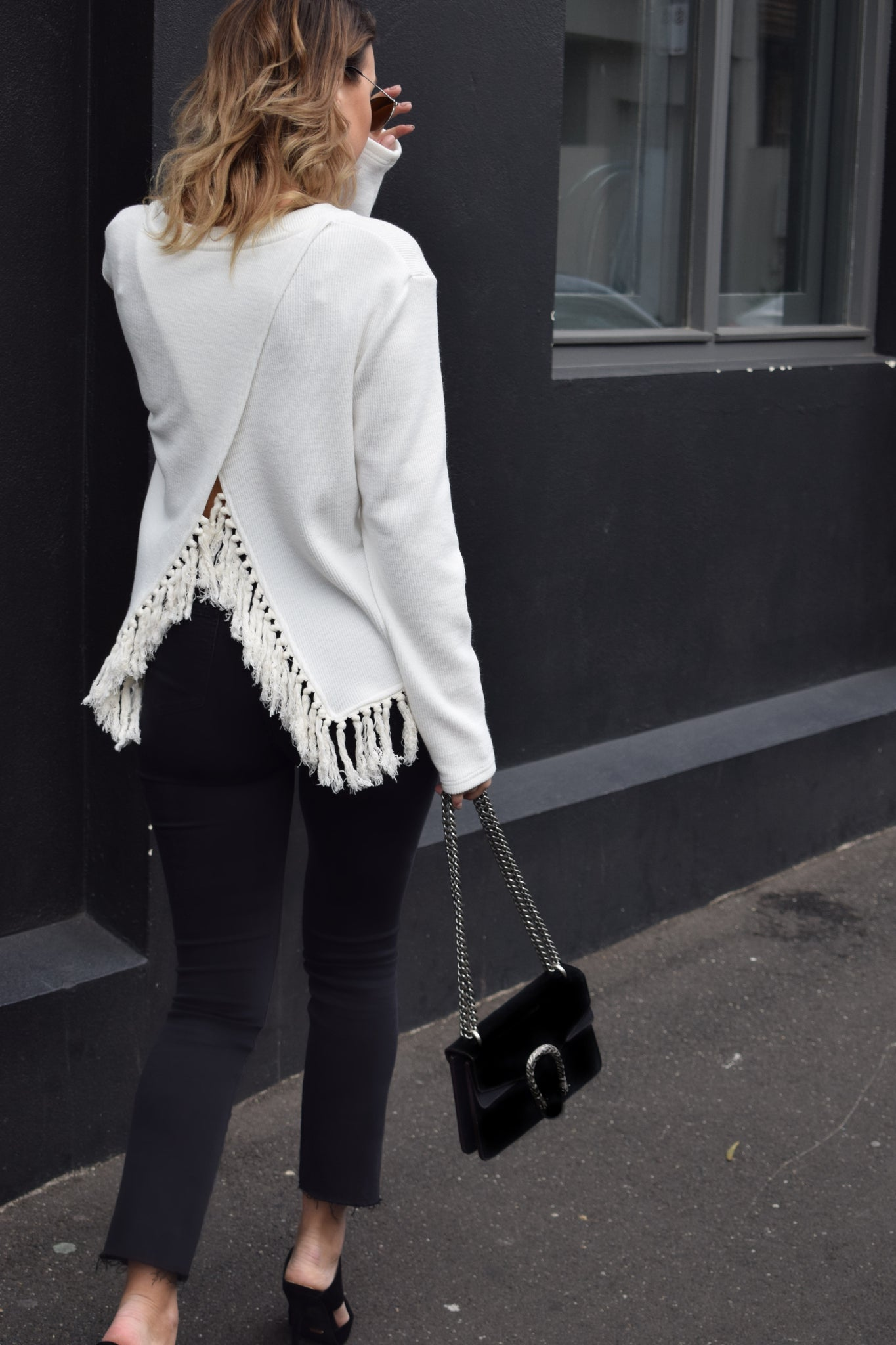 DELICATE FRINGE SWEATER