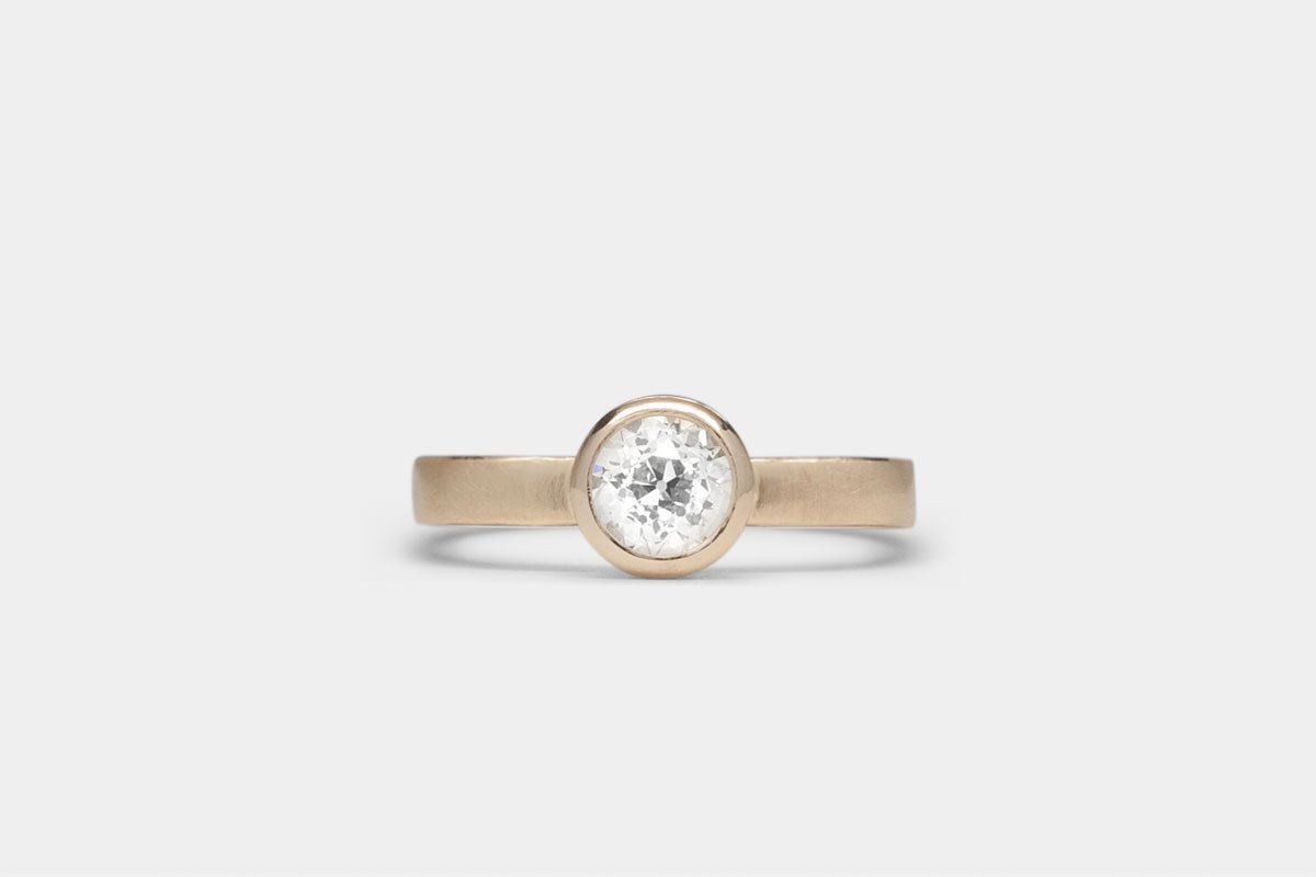 four wwake step diamond ring