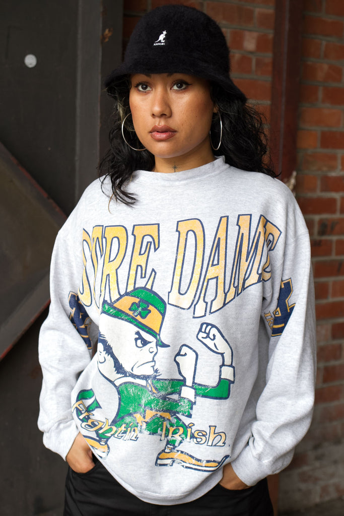 Vintage NOTRE DAME fightin' irish CREW NECK