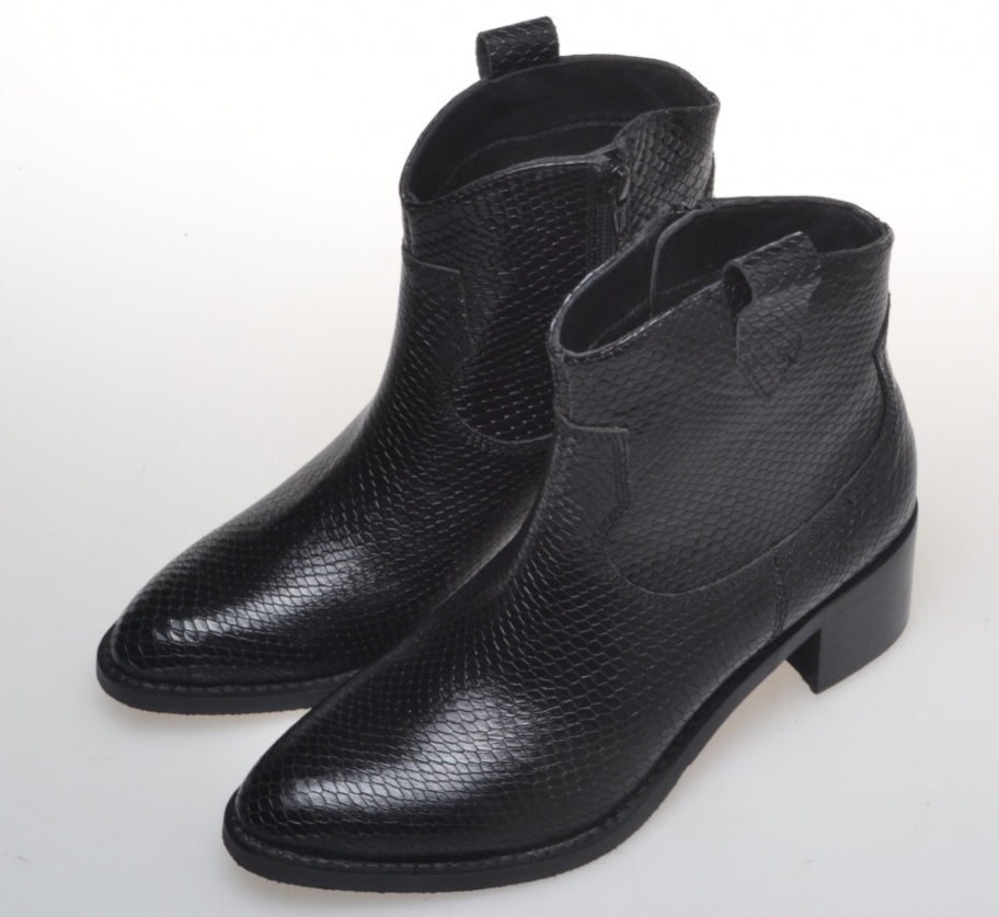 Mary Lee Boots