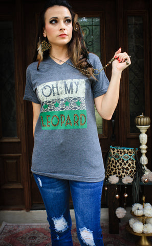 Oh My Leopard V neck tee