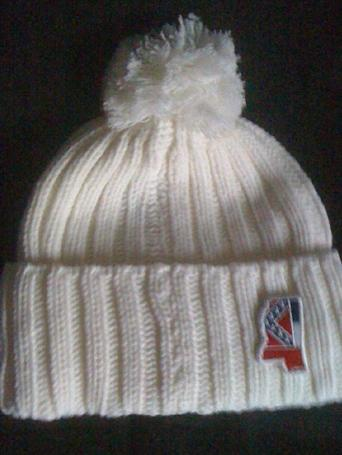 Adult Winter Ski Throwback Beanie Knit Hat w/Pom (MS Flag)