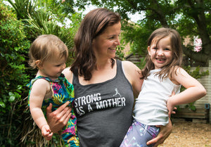 Silke Thistlewood - Nourish To Thrive - with two girls