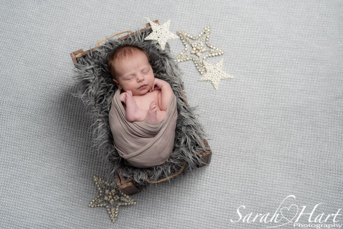 5 Reasons to Hire a Newborn Photographer