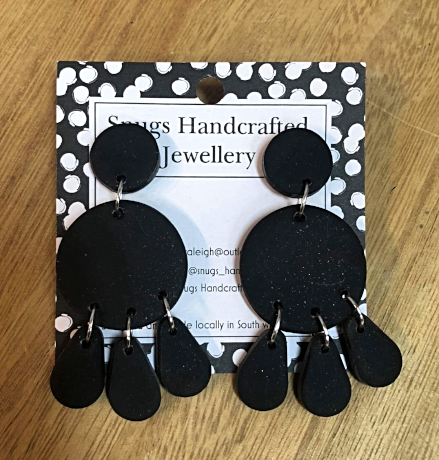 Snugs Earrings - Black - Medium