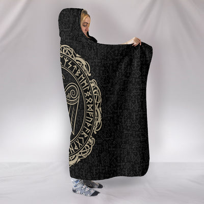 Raven in Celtic Hooded Blanket