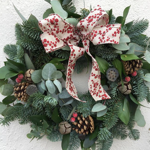 Christmas Wreath Making Workshop 8th December, 7.30-9.30pm