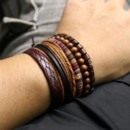 CLASH brown wooden bracelet