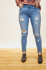 The Layla Distressed Jeans (Light Wash)