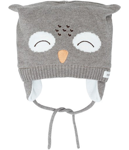 Baby hat with owl face