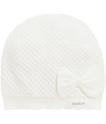 Knitted hat with bow