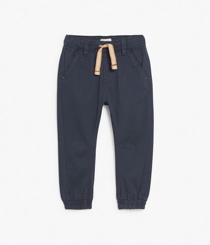 Trousers with contrast waistband