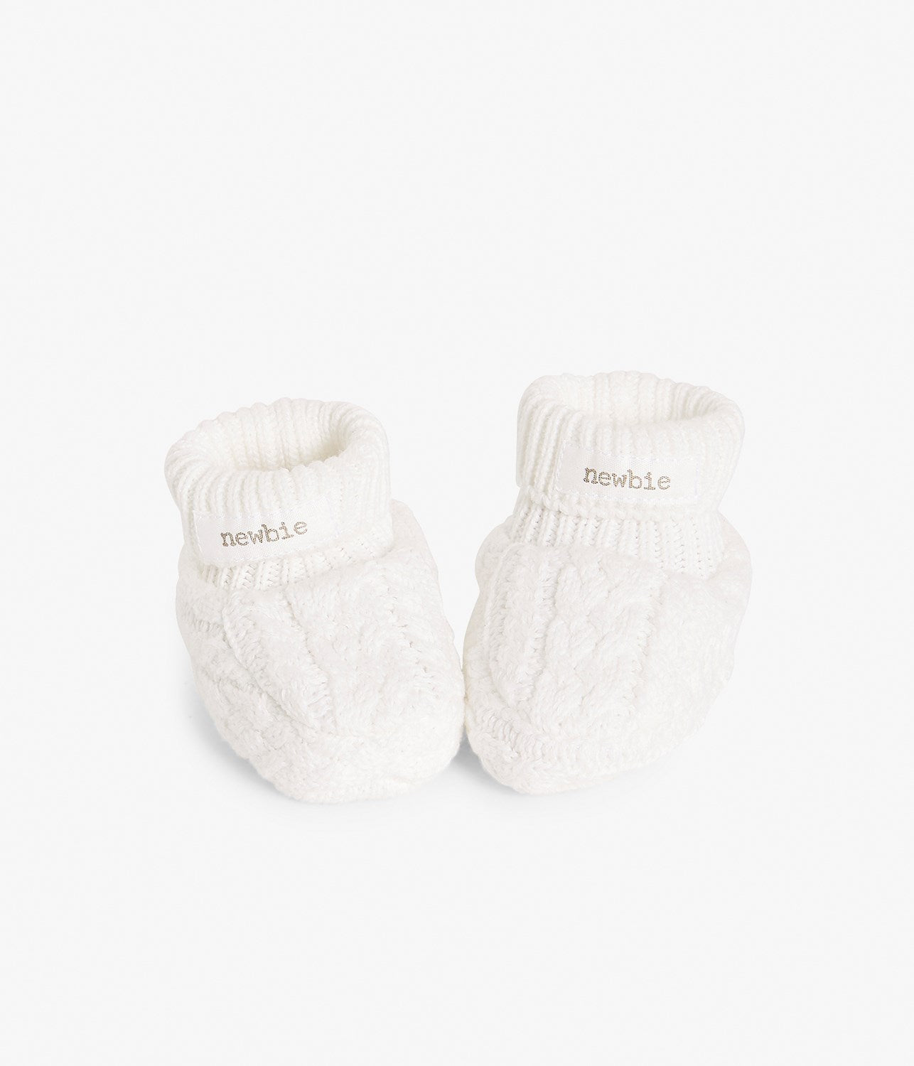 Baby knitted booties with organic cotton