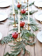 Minimalist Christmas table